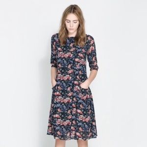 Zara floral printed midi dress with pockets size M